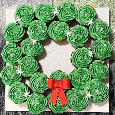 24 ct Cupcake Wreath.jpg