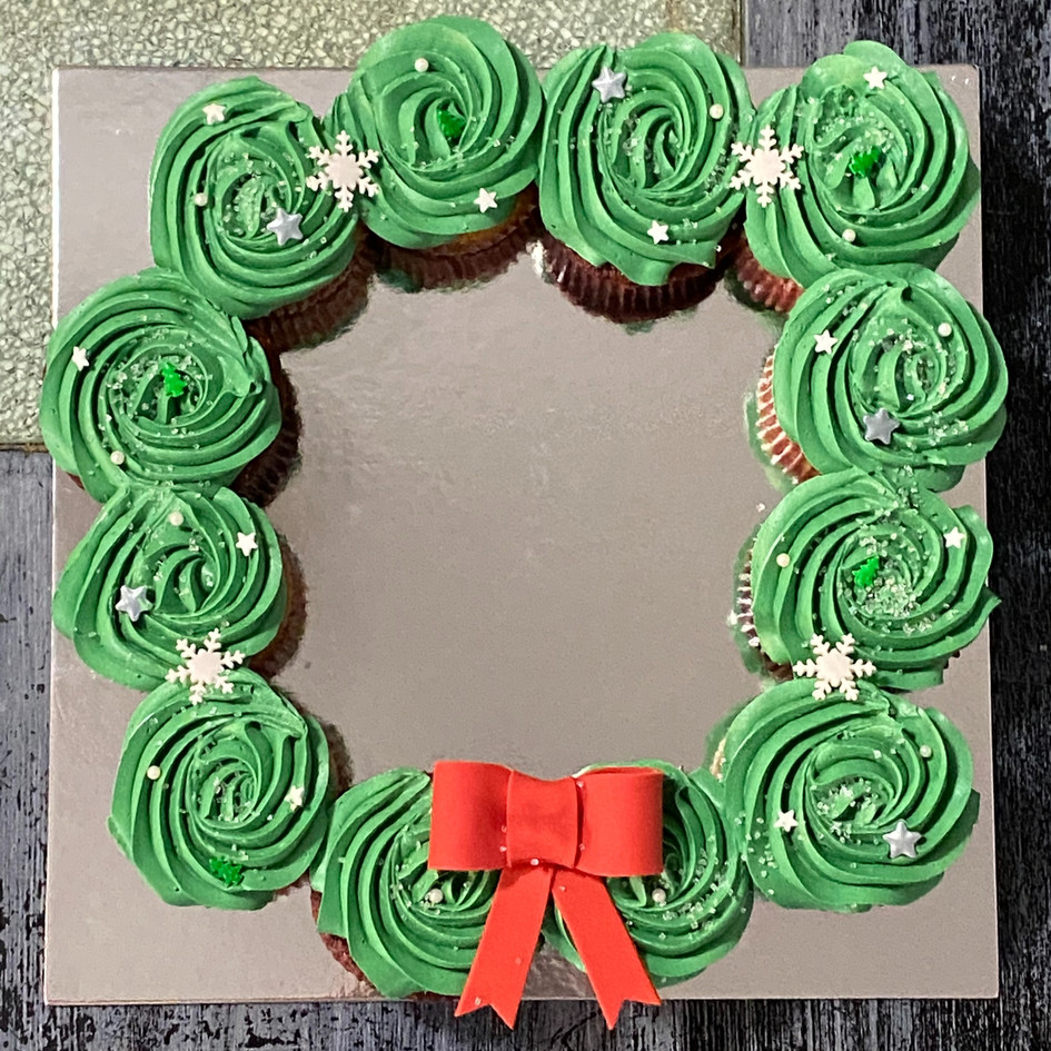 12 ct Cupcake Wreath.jpg