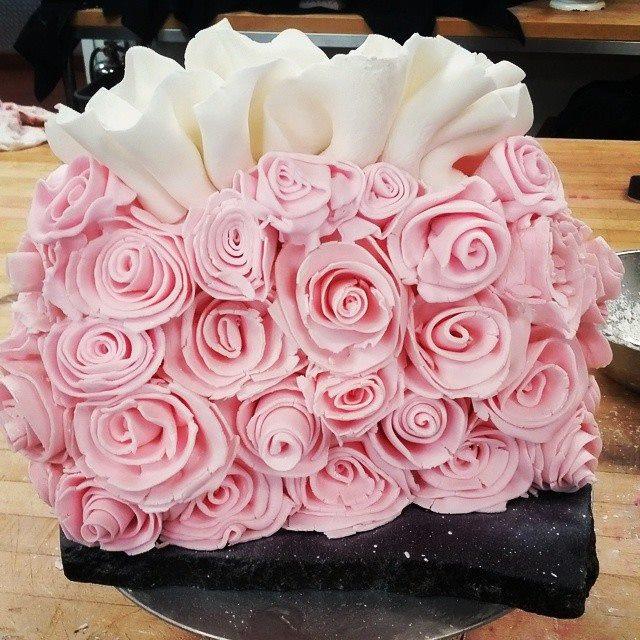 Rose Purse Cake.jpg