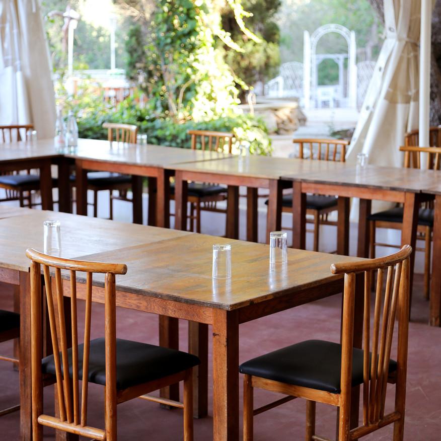 IMG_7168; restaurant; daylight; u shape