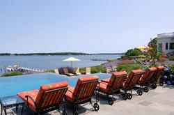 bumblebee-manor-pool-view-1280w-1030x683