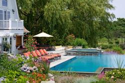 bumblebee-manor-pool-house-hot-tub-1280w