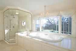 bumblebee-manor-master-bath