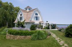 bumblebee-manor-pool-house-walkway-1280w