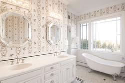 bumblebee-manor-bathroom