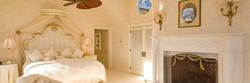 bumblebee-manor-master-suite-1280x430