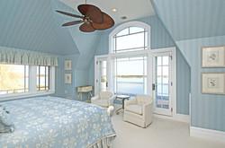 bumblebee-manor-blue-bedroom-1030x683