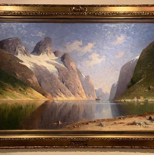 Oljemaleri med motiv fra Hjørundfjorden (146x106cm) av Elisabeth Gruttefien (1871-1933). Ca. 1900
