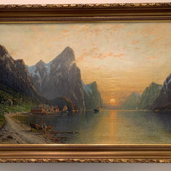 Oljemaleri med motiv av norsk fjordlandskap (119x89cm) av Karl Kaufmann (1843-1905)). Ca. 1890 (signert med pseudonym)