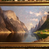 Oljemaleri med motiv fra Nærøyfjorden (139x99cm) av Elisabeth Gruttefien (1871-1933). Ca. 1900