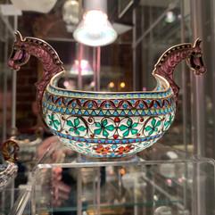 Kjenge i forgylt 930 sølv, filigran & plique-a-jour. Ca. 1900