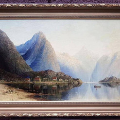 Oljemaleri med motiv av norsk fjordlandskap (108x73cm) av Therese Fuchs (1849-1898). Ca. 1890