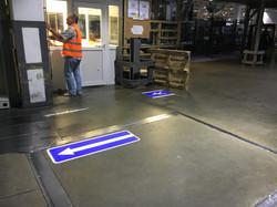 Навигационные указатели на заводе