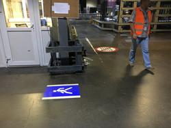 Проекционные знаки на заводе