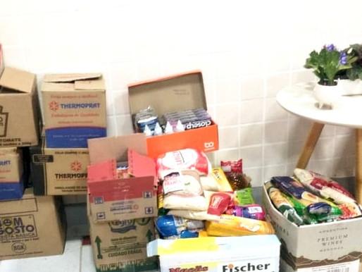 Pet Shop arrecada alimentos para o Projeto Tia Egle