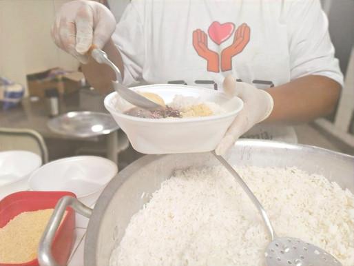 Projeto Tia Egle faz doação de marmitas e ovos para os atendidos pela ONG