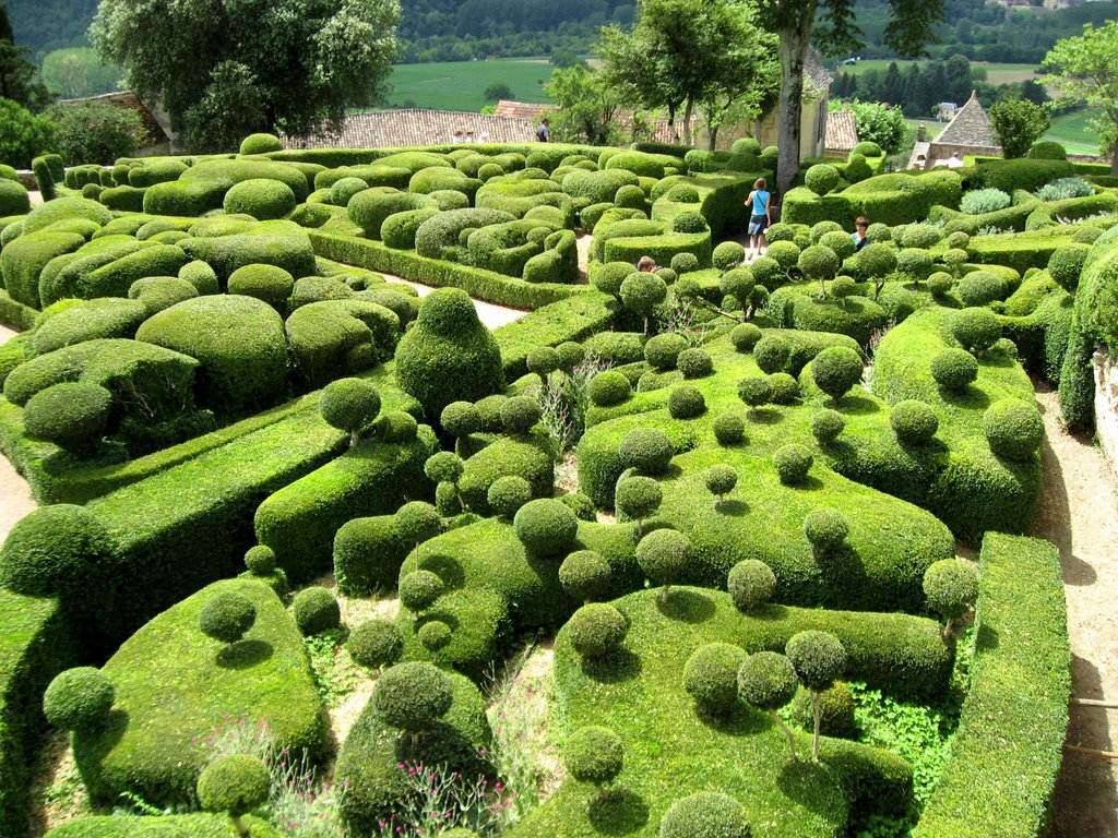 surreal views of the marqueyssac topiary gardens alk3r. Black Bedroom Furniture Sets. Home Design Ideas