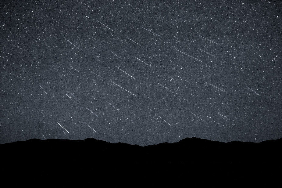 27 photos with 29 separate meteors