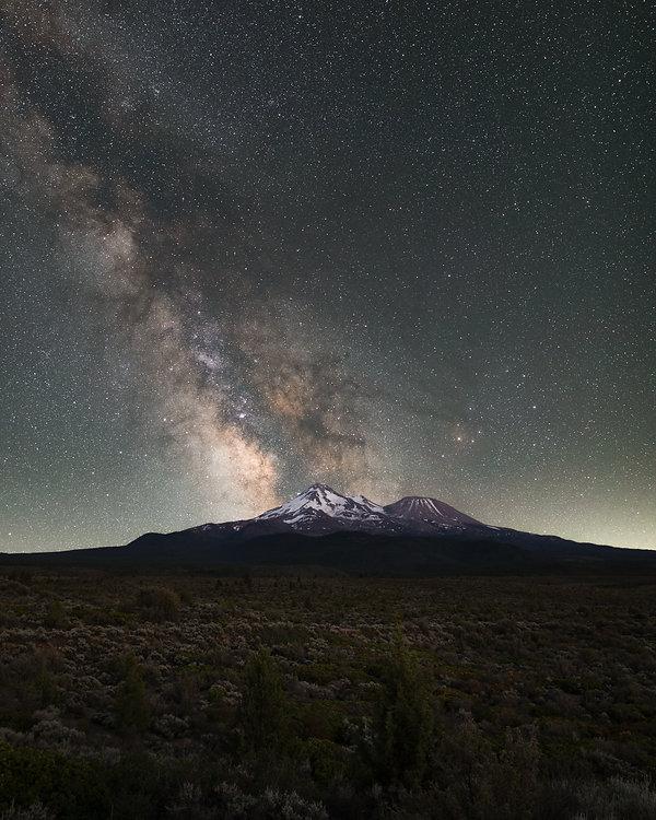 Mt Shasta Milky Way (Trevor Bexon)