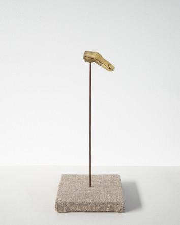 Also Men VII, 2021, beeswax, gilding paste, copper, linen, plywood, 15 x 33 x 15 cm