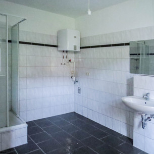 Lindenstraße 1- WE2 - Badezimmer EG