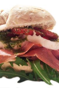 Broodje-Parmaham-mozzarellavs2.jpg
