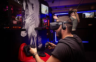 1. Titulbilde VR Gaming.jpg