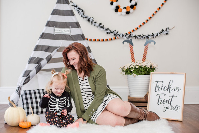Trick or Treat || Halloween Mini Sessions || WV Family Photography