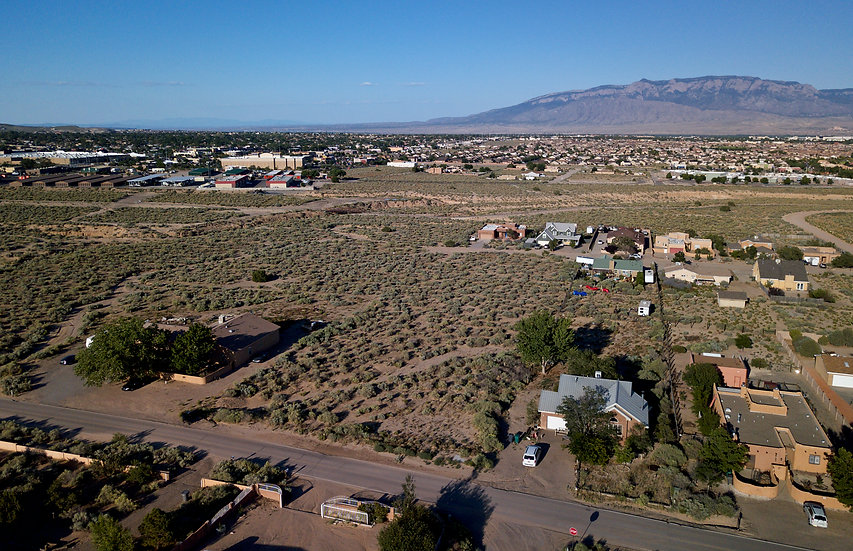 Half-Acre Lot with Asphalt & Utilities (Rio Rancho Unit 10, NM)