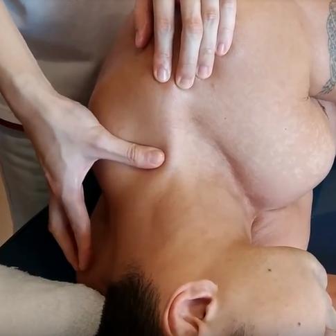 sports massage neck2.png