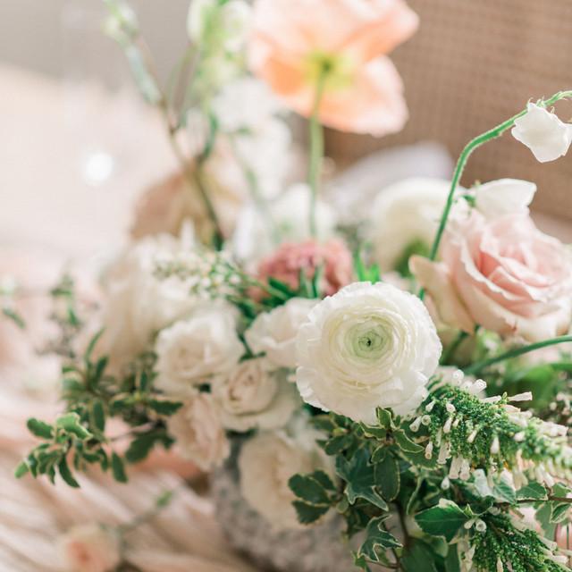 Loose Wedding Flower Arrangements