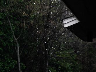 Já pensou em aproveitar a água da chuva?