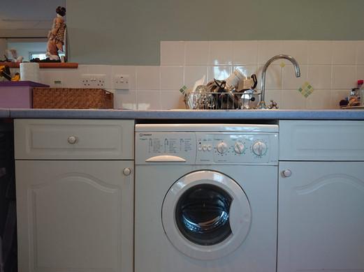 Washer / Dryer machine and sink