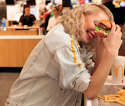 McDonalds_CA_43_02_04_SIGNATURE_BURGER_1