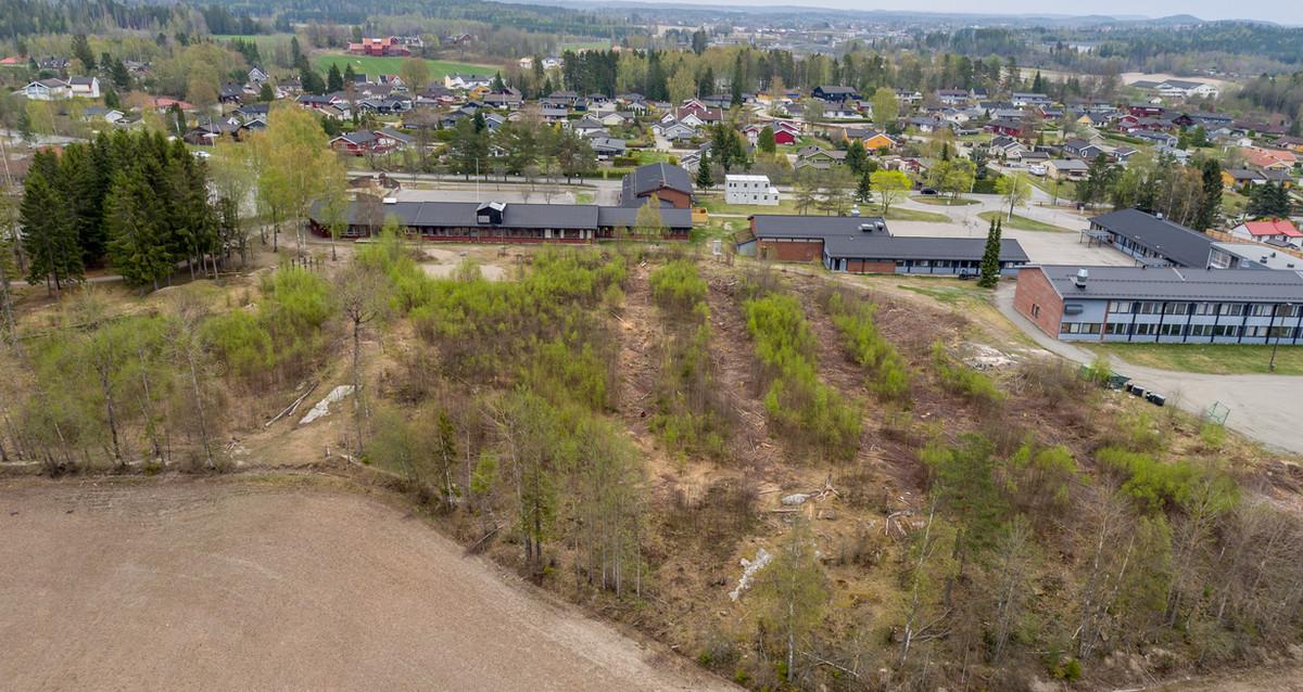 Slik ser det ut før ny flerbrukshall og nytt næranlegg kommer Foto: Knapstad Vel