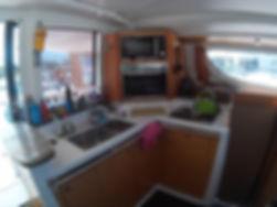 кухня катамарана Липари.jpg