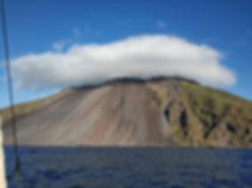 вулкан Стромболи, путешествие на яхте.jp
