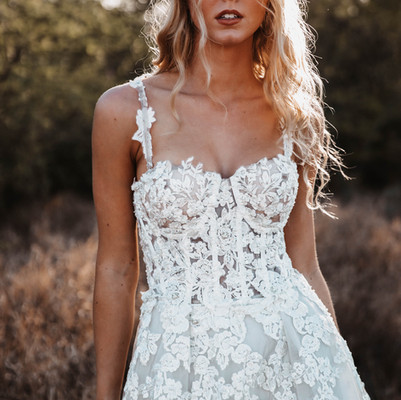 Oahu, Hawaii Styled Bridal Shoot - Harley