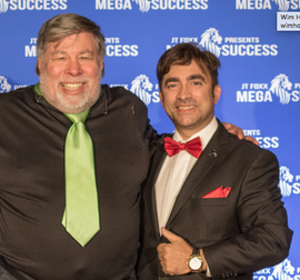 Steve Wozniak & Manely close 2018.png