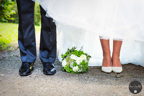 HochzeitsfotografAnna Weinhold, hochzeit, Brautpaar, Hochzeitsfotografie, Wedding, Köln, Rhein, Friedenspark, Leverkusen, Langenfeld, Burscheid, Bonn, Park, Pärchenfotos, brautpaar, draußen, Fotograf, Fotografin, Wedding, Braut, Bräutigam, Paar, Kuss,