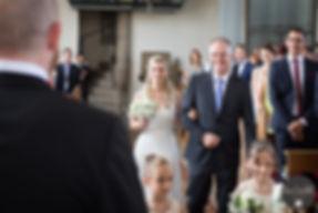 Fotograf Leverkusen, Hoczeitsfotograf, Hochzeit, Wedding, Hochzeitsfotos, Köln, Langenfeld, Leichlingen, Burscheid, Solingen, Engelskirchen, Equlot Center, Anna Weinhold, Fotografin, Kirche, Brautpaar, Shooting, Wald, Vintage, Spitze, Hochzeit, Liebe