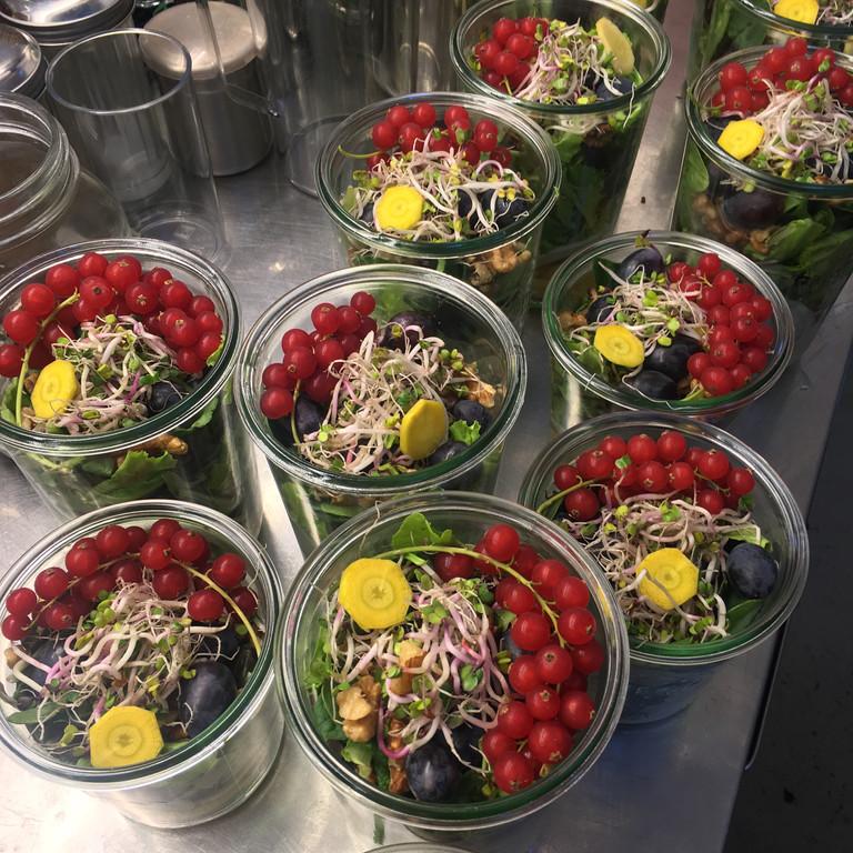 Sommerlicher Marktsalat im Wecklglas