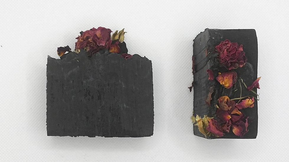 Black Beauty (w/ Rose Petals) (1 Bar)