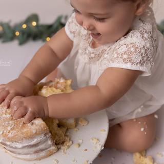 Photographe Maternité, Grossesse, Nouveau né, Naissance, Bébé, Enfant, Maman, Famille, Auterive (31) | Muret, Toulouse et sa région | Séance photo anniversaire Smash the Cake Naked Cake Eucalyptus