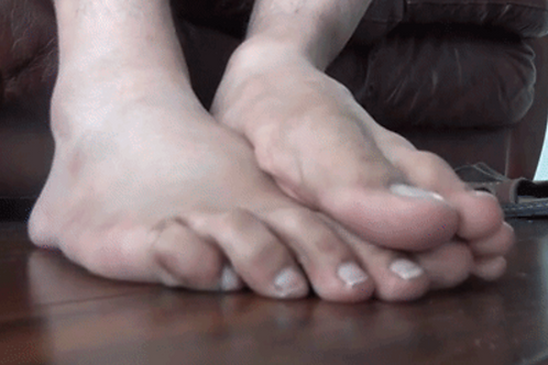 Ari Unaware Foot Tease