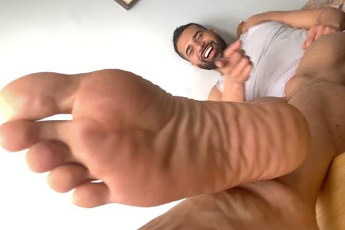 Trapped Under Shane's Big Feet- POV