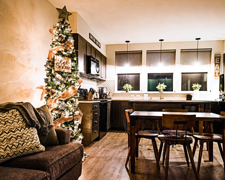 Holidays at Hotel Roslyn in Washington