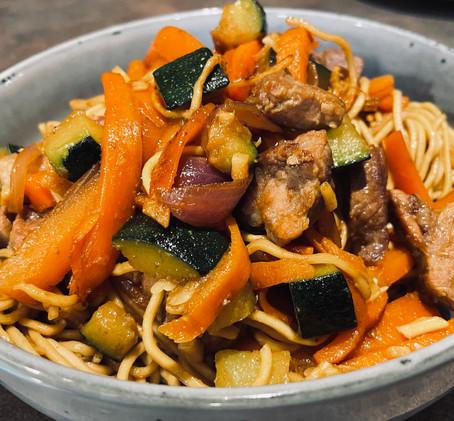 Kit recette sn-ak nouilles chinoises, légumes, viande, sauce soja : en 12 minutes chrono !