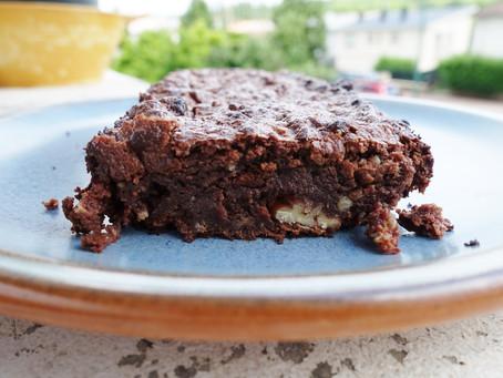 Notre brownie chocolat noir et noix de pécan, sans œufs ni beurre ! délicieux mais diététique