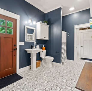Bathroom_DyksenandSons_NewConstruction_AtwoodLake.jpg